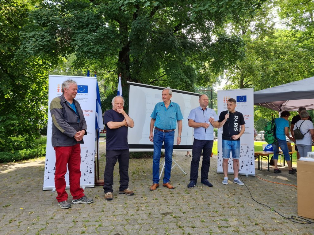 Fotografie z prednásky - kontaktné centrum Nováky - Staré zážitky a nové príležitosti